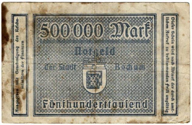 So ähnlich sieht der Staatsbankschrott aus<br><small>Quelle: https://secure.wikimedia.org/wikipedia/commons/wiki/File:Notgeld_der_Stadt_Bochum_1923_-_500_000_DM_-_Rueckseite.jpg</small>