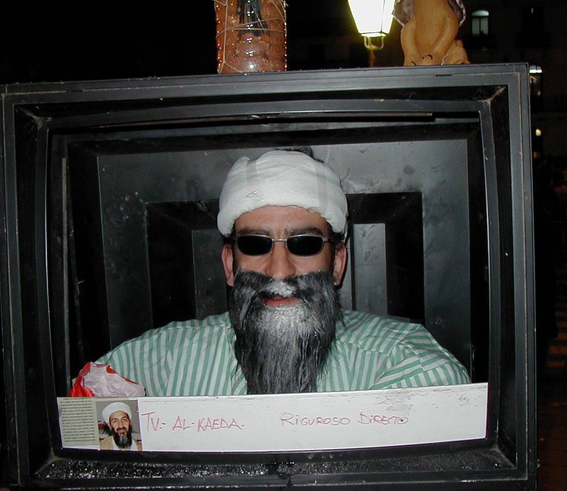 Hier ein Osama Double bei der Arbeit…Quelle: https://secure.wikimedia.org/wikipedia/commons/wiki/File:Carnaval_Tarazona2.JPG