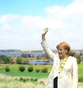 Altjahrsabsprache der Bundeskanzlerin 2012 - Wunder und Parolen - extended Edition Angelapose