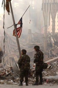 USA gefährden auch nach 9/11 Bevölkerung vorsätzlich National_Guard_at_WTC
