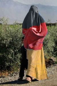 Female_soccer_fan_in_Afghanistan