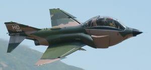 Stell dir vor, es ist Krieg und keiner zahlt die Aufräumarbeiten F-4 Phantom drone with big electronic warhead