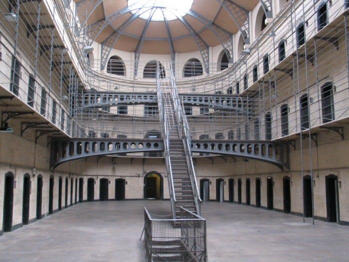 EU Wachstumspakt - Gefängnisneubauten für Europa