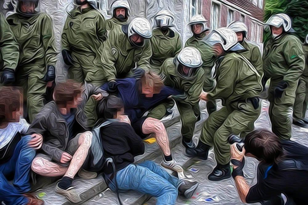 Schutzwaffen, akute Bedrohung der Demokratie, Umsturz geht nur im Sommer Demokratie in Oel, alles wie geschmiert Polizeigewalt Demo Gewalt