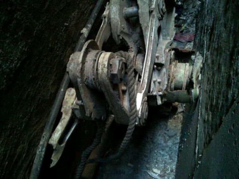 Die 9/11 Kult Beschwörung oder das dümmste Beweisstück aller Zeiten landing-gear 9_11 Teil Fahrgestell duemmstes Beweisstueck aller Zeiten