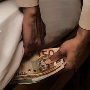 Viele Deutsche verschenken Zinsen