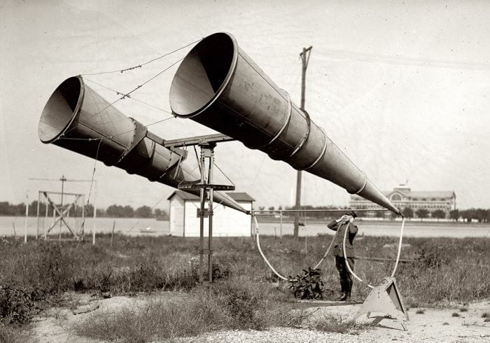 Acoustic_aircraft_detection_horns
