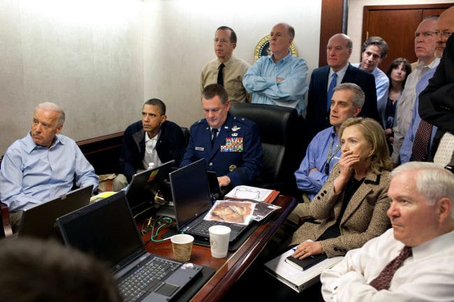 Kriegstreiberei heute - In der Masse sinkt der Verstand mit der Anzahl der Versammelten Osama_Bin_Laden_Barack_Obama_Hilary_Clinton-situation-room_white-house_Spezialkommando_special_forces_Exekution_Hinrichtungskommando