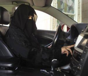 Schlagende Argumente gegen autofahrende Frauen in Saudi-Arabien Frau am Steuer Saudi Arabien verboten Fahrverbot fuer Frauen