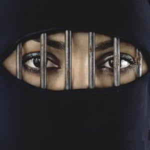 Neues US-Flüchtlingskonzept für Europa, jetzt vermehrt Trojanische Stuten Frau am Steuer Saudi Arabien verboten Fahrverbot fuer Frauen burka schleier gefaengnis