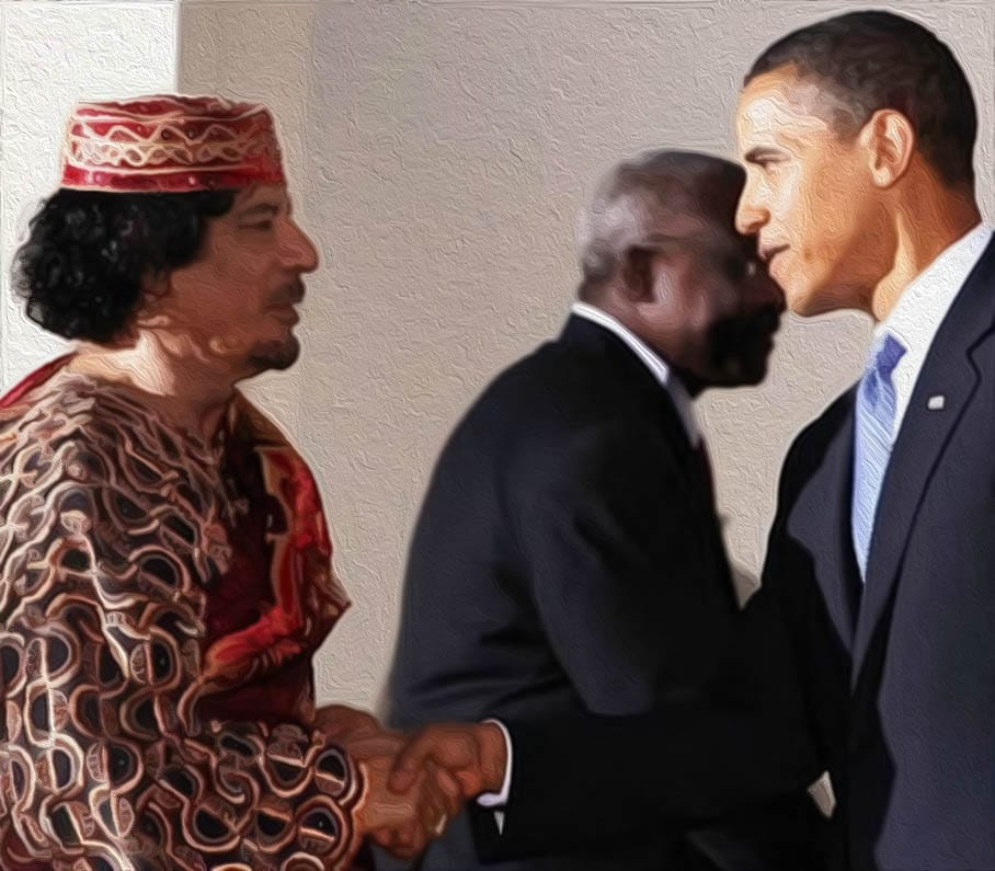 Peinlich berührt, Obama schüttelt Castro versehentlich die Hand Barack Obama Muammar al Gaddafi Handschlag Todeskuss Mafia Verlogenheit oelbild qpress