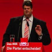 Die Machtergreifung der SPD-Altkader, Erstakung  der Demokratur