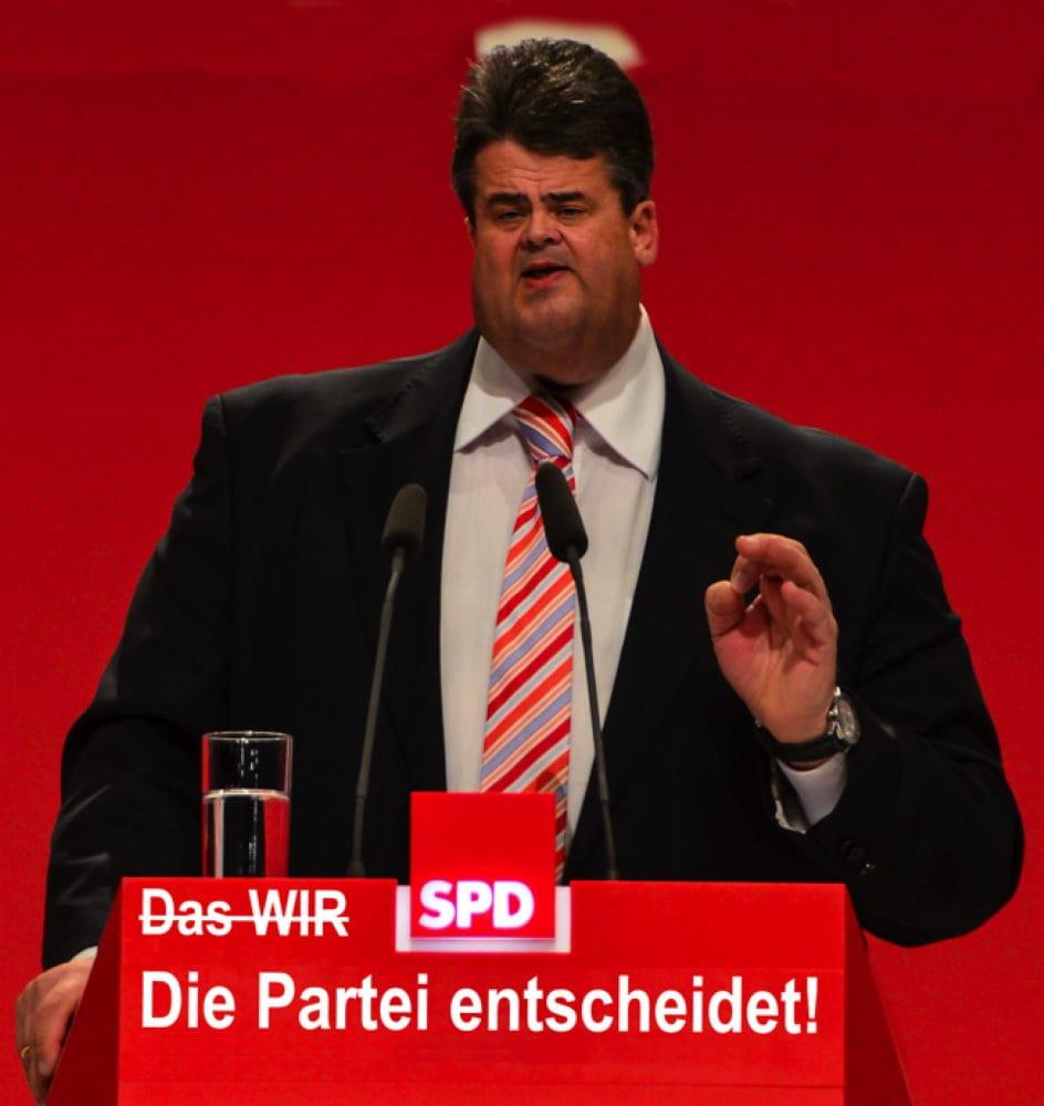 SPD_Bundesparteitag_Leipzig_2013_by_Moritz_Kosinsky_Sigmar_Gabriel_Vorsitzender_qpress