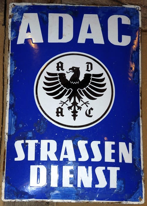 ADAC_Strassendienst_Strassenwacht_Pannenhilfe_Gelber_Engel_VW_Kaefer_Allgemeiner_Deutscher_Automobil_Club_DDAC_NSKK_Kerngeschaeft_Manipulation_by_Dieter Schuetz_pixelio.de_