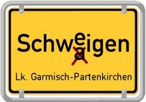 Großes Schweigen ueber das kleine Schwaigen in Bayern ortsschild die Hinterweltler oder doch Hinterwaeldler