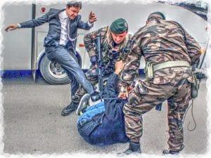 Erdogan ist kein Asylgrund - kein Schmäh Erdogan Berater in Aktion Unterricht fuers Volk drauftreten dreintreten schuetzt vor Demokratie auch in der Tuerkei