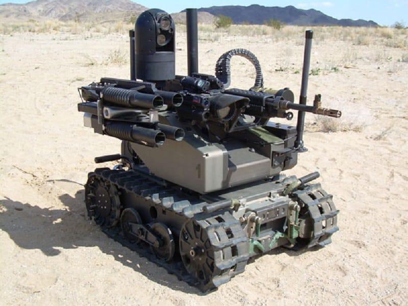 Killer Roboter Halbautomat fernge4steuert Toetungsmaschine