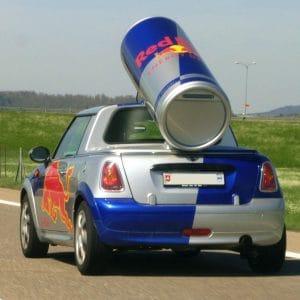 Red Bull stürzt in den USA ab, die Lüge mit den Flügeln fliegt auf Red_Bull_Car_Flugmaschine_Imagination_Betrug_nowings_qpress