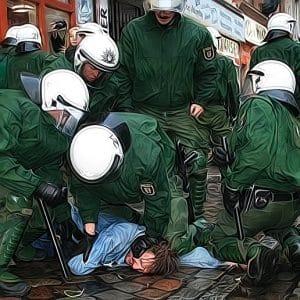 polizeigewalt Demo Rechtsstaat versammlungsfreiheit Verbot Demonstrationsrecht Einschraenkung Freiheit Grundgesetz Artikel 8 Diktatur Polizeistaat