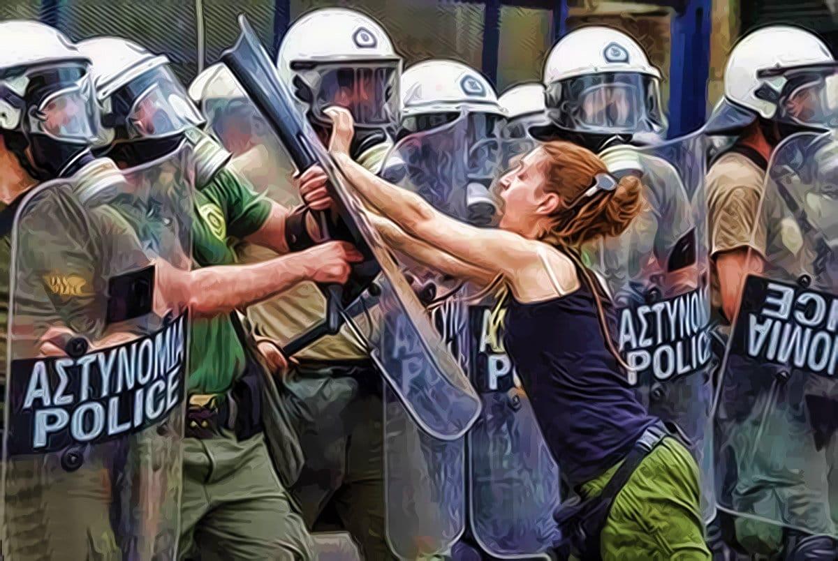 polizei sicherheit widerstand protest frau griechenland polizeistaat demo redefreiheit demokratie pressefreiheit versammlungsfreiheit