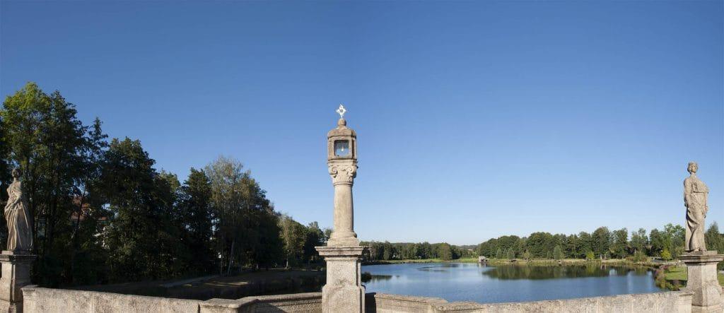 Unbenanntes_Panorama_mit blauem-Himmel_ohne_Streifen_Kerosin
