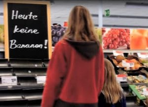Bildschirmfoto Bundeswehr Marine Auslandseinsatz Handelswege Schutz Werbung Bananenrepublik Banane Werbefilm Beeinflussung Propaganda Deutsche Marine