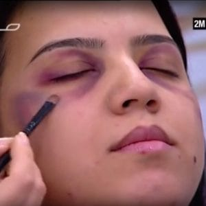 Verprügelte Frauen richtig gut aussehen lassen gewalt-gegen-frauen-schminke-gegen-gewalt-pruegelnde-maenner-kultur-islam-marokko-schminktipps-sendung-qpress