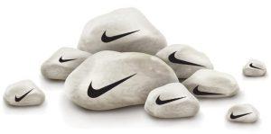 Sport-Swear: Nike Kampf-Dirndl für Athletinnen