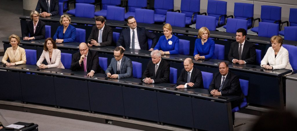 Notbremse: Merkel ab sofort in der zweiten Reihe
