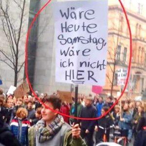 """Merkel weist BMBF an Schüler mit """"goldenen Schwänzen"""" auszuzeichnen"""