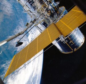 Das Schrott-Satelliten-Rennen kann beginnen