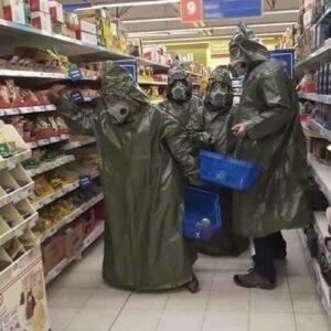 AKK prüft Militäreinsatz gg. multiresistente Keime