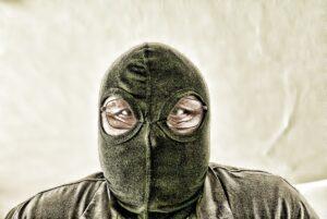 Saftige Bußgelder für mit und ohne Maske